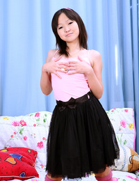 Pretty asian sweetheart pleasures her bald soaked cooch
